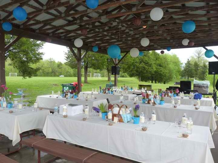 The picnic reception was held at a nearby park.