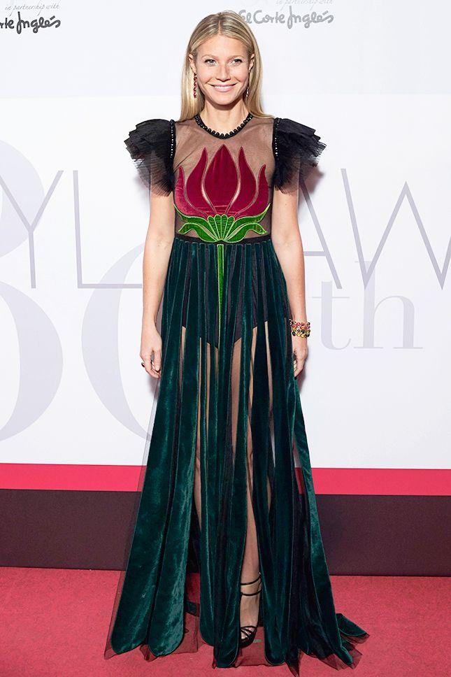 Гвинет Пэлтроу в платье Gucci в Círculo de Bellas Artes в Мадриде - мода, красота, украшения, новости, тренды, коллекции брендов одежды, обуви и аксессуаров: все новинки в онлайн-версии журнала Vogue.