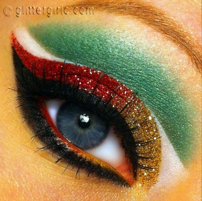 Beautiful eye make up ready to celebrate Mexican Independence Day this September 15!!!!!! ♥♡♥♡ =]