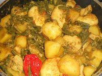 Sunaamse Keuken; Kip massala met aardappelen, kouseband en ei. (Surinam Kichen, Recipe in Dutch; Chicken with Hindustan curry, potatoes, yardlong bean (Vigna unguiculata subsp. sesquipedalis) and egg