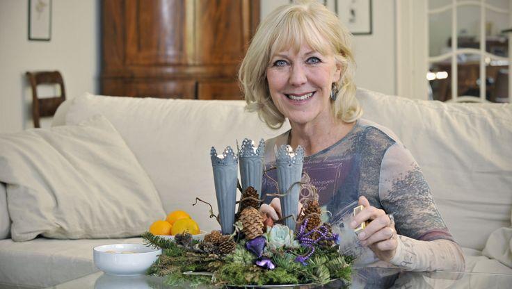 Mens vi danskere har hygget i århundreder, er hyggen først nu på vej ud i den store verden. Men hvad er det egentlig, vi gør anderledes end i andre lande? Femina har bedt den britisk-fødte skuespiller Vivienne McKee forklare den lille forskel.