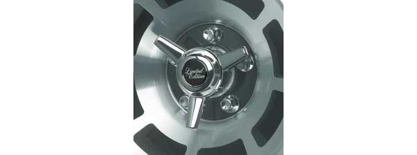 awesome Corvette Wheel Straight Fin Spinner Equipment, 1976-1982
