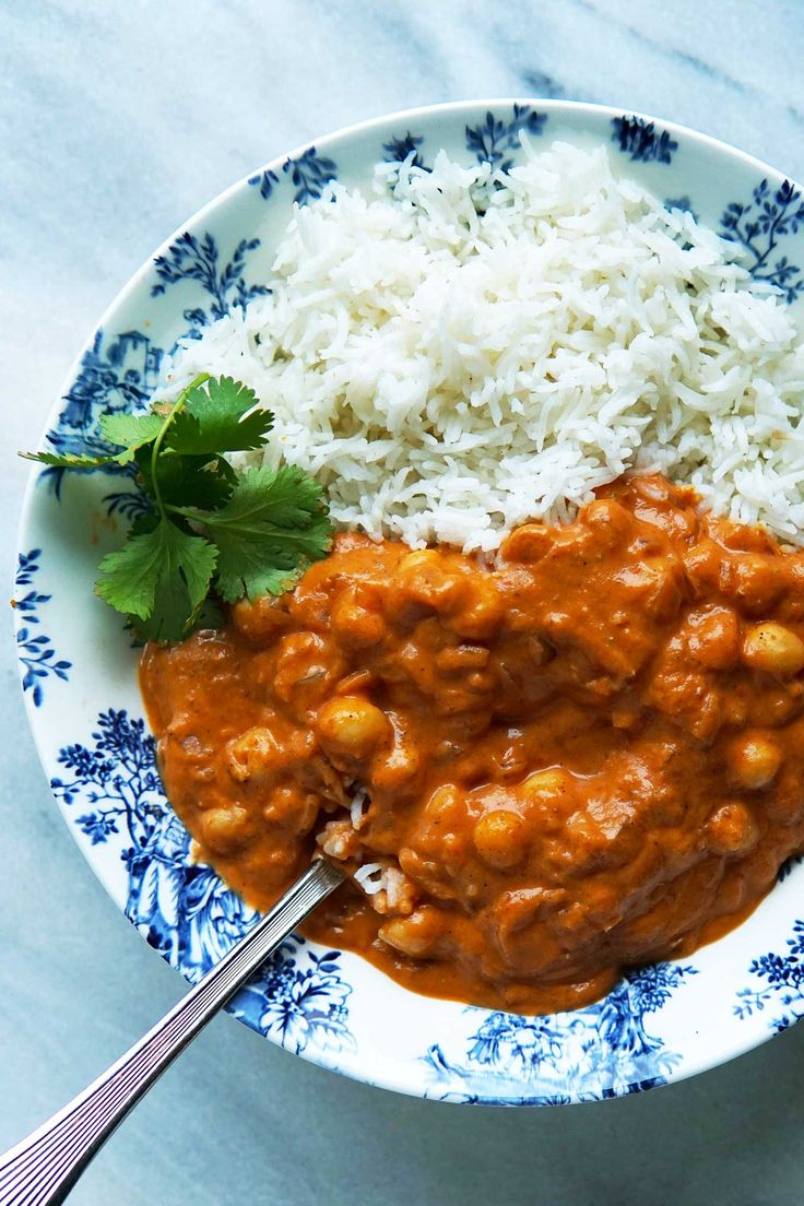 Better-than-takeout Indian food at home is made easy with this vegan tikka masala simmer sauce. Make extra and freeze for a quick meal any day of the week! Plant-based   Vegan   Recipe   Oil-free