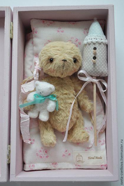 Teddy doll bunny / Мишки Тедди ручной работы. Заказать Зайка Майя в коробочке. Светлана Цветкова. Ярмарка Мастеров. Тедди игрушка, игрушка с домиком