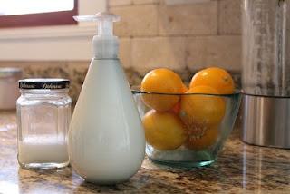 DIY organic shower gel - 3 ingredients!