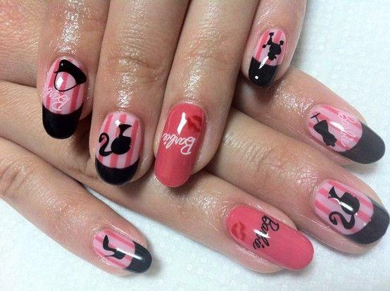 uñas decoradas con Barbie ♥ ♥ ♥