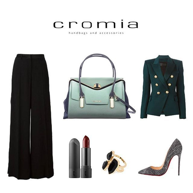 Green shades for an elegant and versatile fall look with our #Cromia #Raquel shopper bag! #cromiabag #cromialovers #handbag #fw15 #fashion #style #baglover #charme #trend #outfit #look #cool #bag #elegance #instastyle #instafashion #instacool #bagoftheday #fashionblogger #iconic #citystyle #glamour