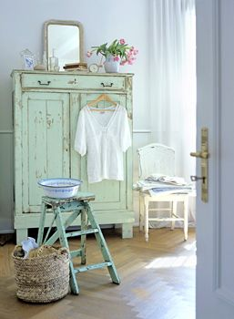 shabby pale green