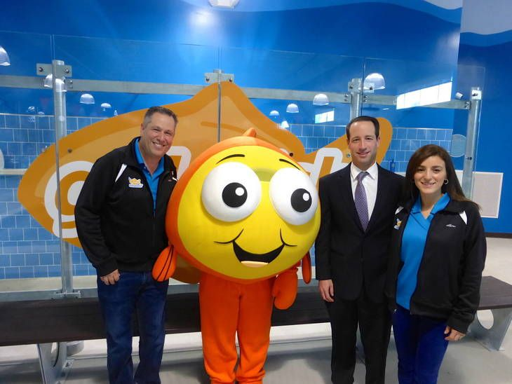 LIVINGSTON, NJ - The newest addition to the Goldfish Swim School franchise, the country's leading water safety and swim lesson school offering infant and child swim lessons, celebrated their grand opening this week.
