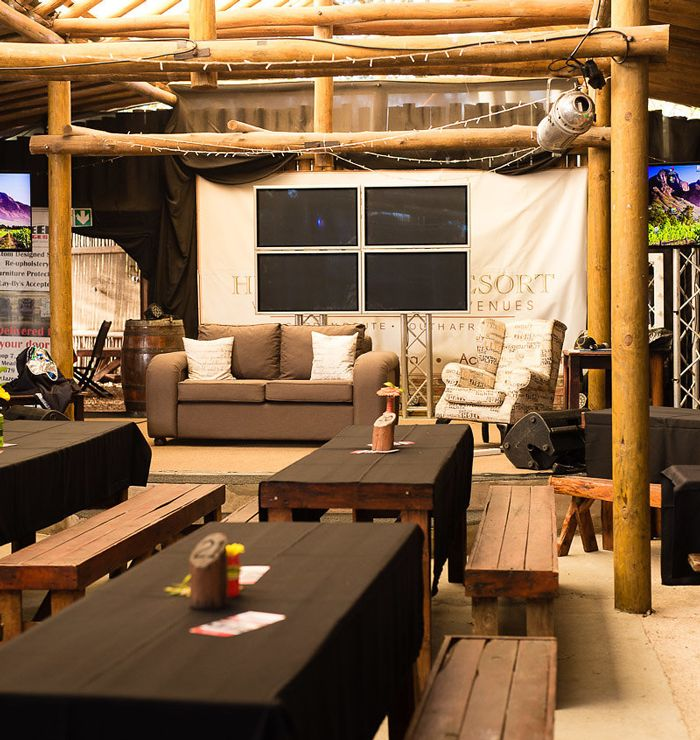 Die Bush Lapa is perfect for live shows or hosting special events