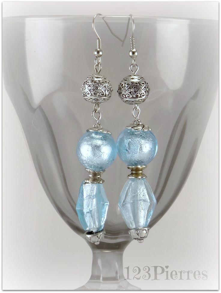 Longues boucles d'oreille bleu clair en verre Murano avec feuille d'argent, rond et losange - Bijoux 123Pierres : Boucles d'oreille par 123pierres