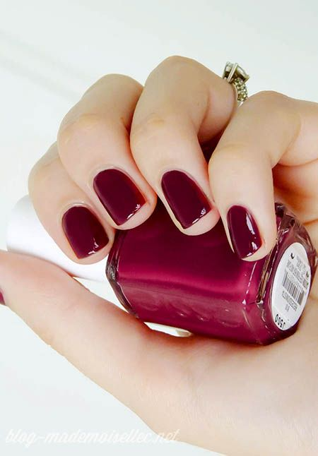 essie recessionista - fall 2012: Holidays Parties, Fall Nails, Nails Colors, Cranberries Colors, Essie Polish Colors, Fall 2012, Dark Red Nails Polish, Essie Recessionista, Essie Red Nails Polish