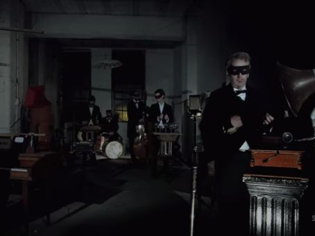 """Canal Electro Rock News: """"Blue Monday"""" do New Order ganha versão vintage nas mãos da Orkestra Obsolete"""
