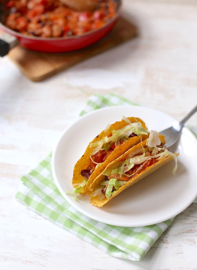 Mexicaanse taco's met kidneybonen en tonijn