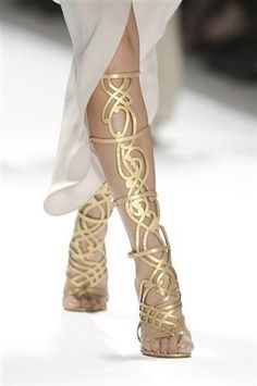 Sexy Shoes | Imagenes para ....on the right legs these can look great