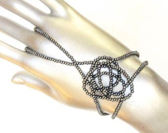 Freiform-Sklaven-Armband. Armband-Ring. Finger-Armband. Handkette. Ring-Armband. Hand-Schmuck. Hand-Finger-Schmuck. Hand-Armband 443 gm