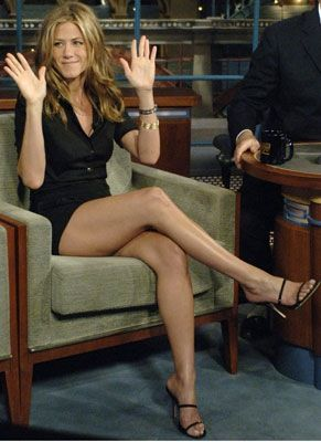 Jennifer Anistons legs make me get up & do lunges