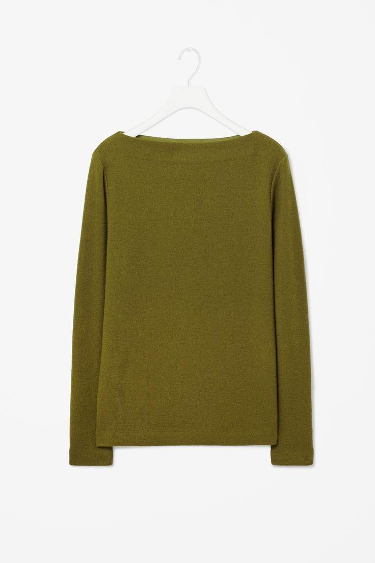 Boat-neck wool jumper