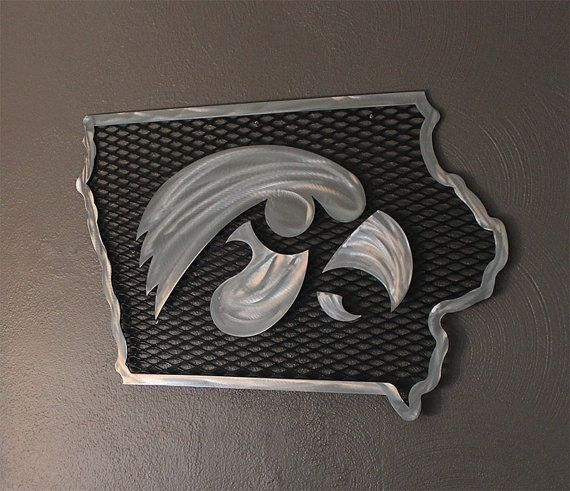 Iowa hawkeye metal wall art iowa hawkeye and metal wall art for Iowa hawkeye decor