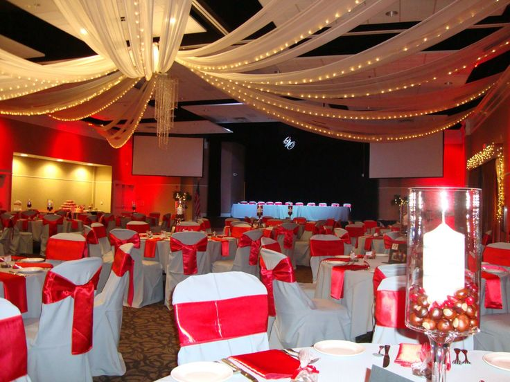 Ohio State themed wedding at Grand Oaks