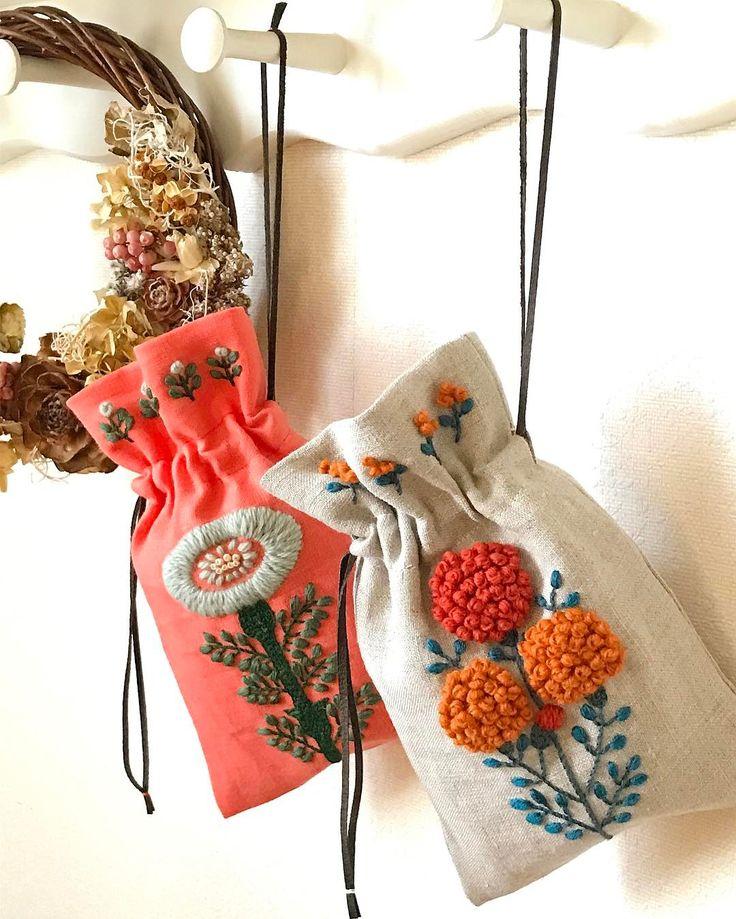 いいね!489件、コメント41件 ― keiko-chateauさん(@keiko_chateau)のInstagramアカウント: 「* * 刺繍したものを巾着袋に仕立てました。 紐は本に載っていたように革紐で。 可愛く仕上がり嬉しい〜❤ * * #刺繍#刺しゅう#자수#자수소품 #embroidery #needlework…」