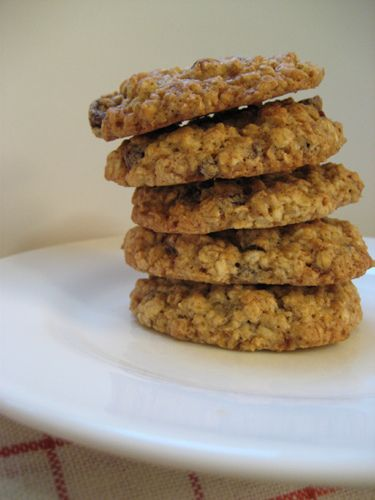 The Village Vegan: 100: the best chewy oatmeal raisin cookies ever ...
