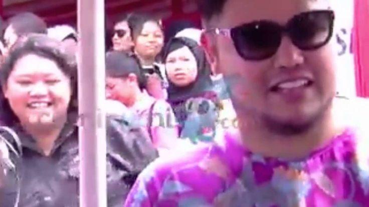 Ivan Gunawan Penasaran Naik Odong Odong  Gosip 6 Desember 2015