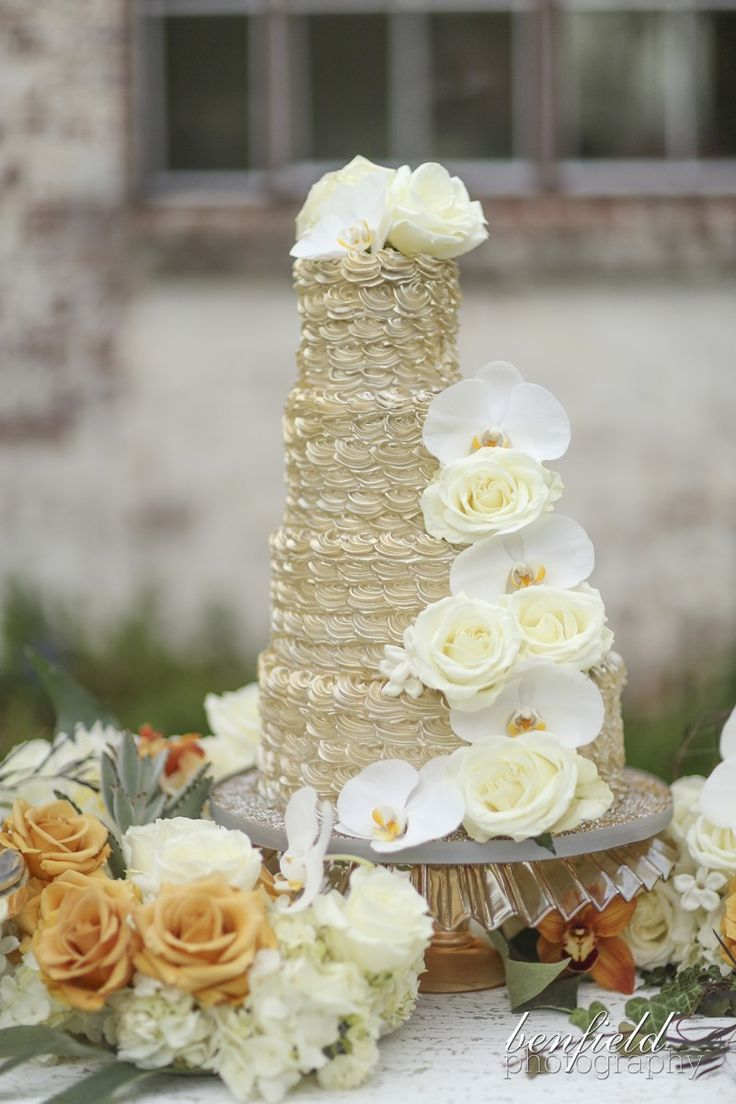 Shimmer gold wedding cake! Cake by Shelby Lynn's Cake Shoppe, Benfield Photography