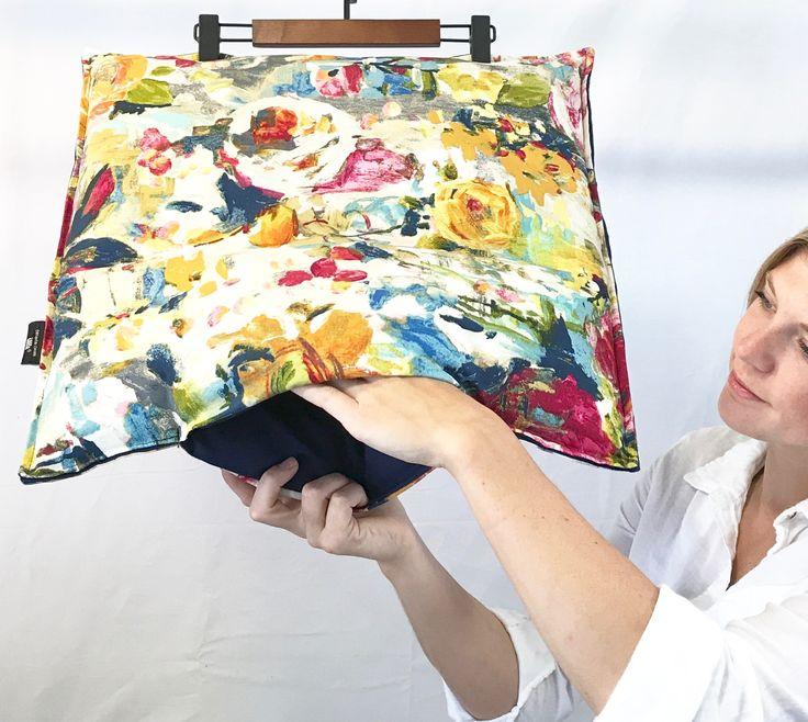 Decorative cushions in your home should offer dual functionality. Les coussins décoratifs dans votre maison devraient être polyvalents.