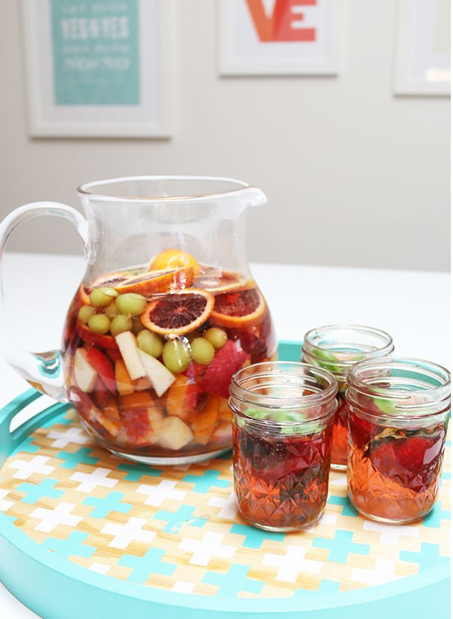 Delicious summer cocktail - white wine sangria