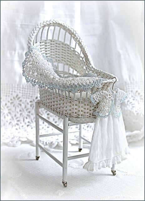 Тема: Поделимся!!! (идеи, ссылки, литература) (47/92) - Плетение из газет и другие рукоделия - Плетение из газет