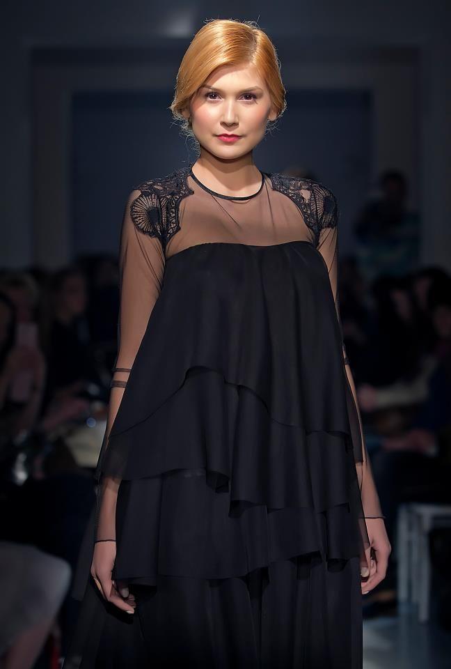 Parlor Fashion Show! #silk #fashion #black  #beautiful #glamour #parlor