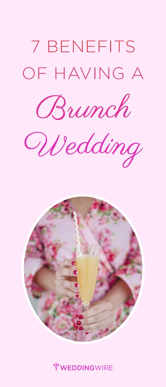 If you love mimosas and the sunrise, then you may want to have an early morning wedding! Here are the benefits of have a brunch wedding. {@tarapeddicord}