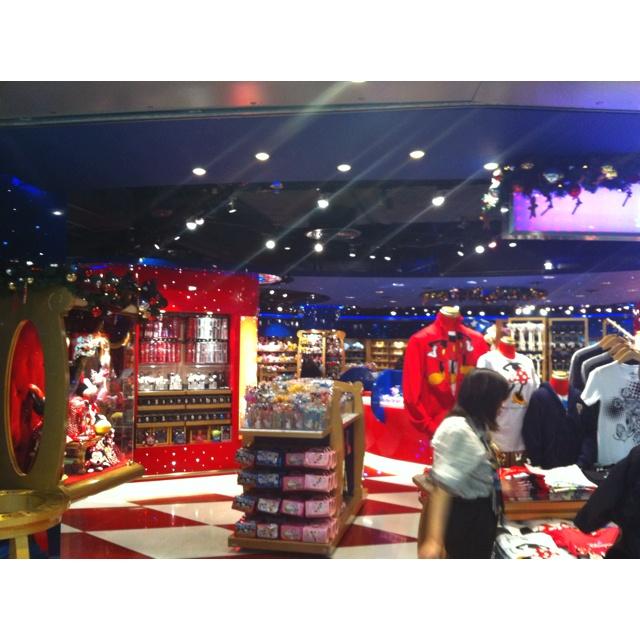 Disneyland Shop in Hong Kong, almost as fun as Disneyland!