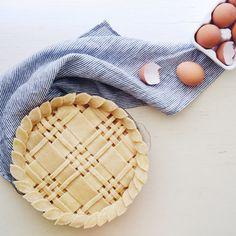 Pie Crust Inspiration | tons of pie crust design ideas and pie recipes
