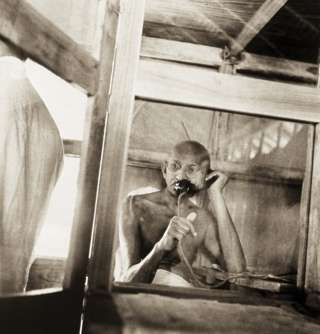Rare Pictures of the Last 10 Years of Gandhi's Life