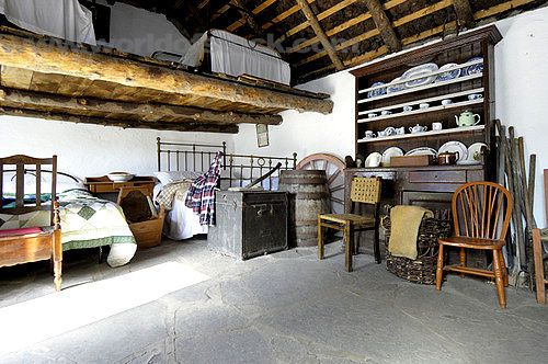 Traditional irish cottage irish cottage interior kerry for Traditional irish cottage designs