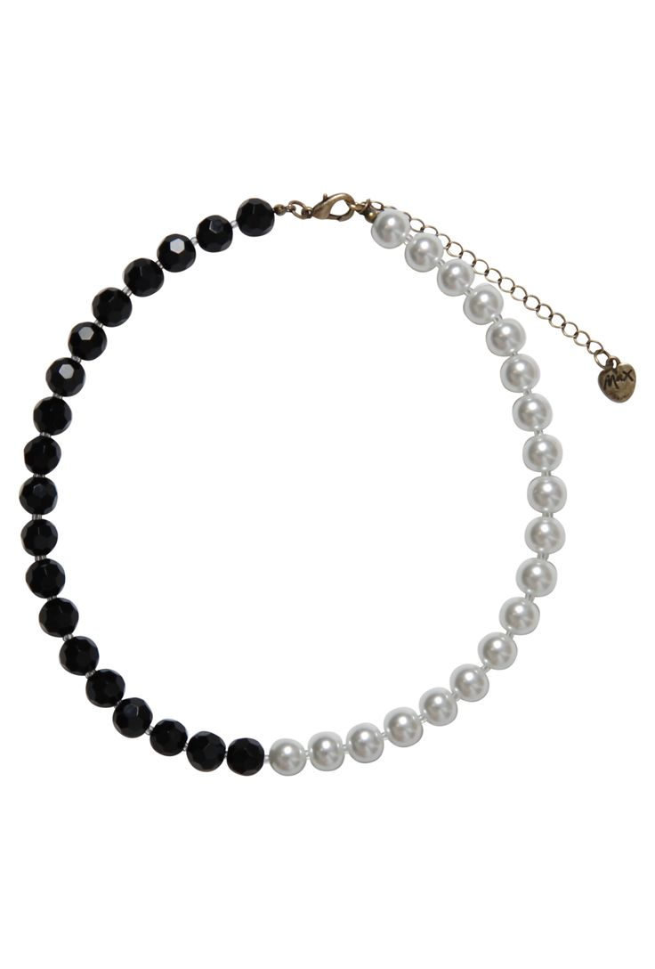 Max - Pearl Necklace $29.00