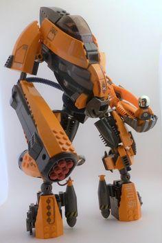 A real slick robot http://www.brothers-brick.com/2016/02/03/a-real-slick-robot/