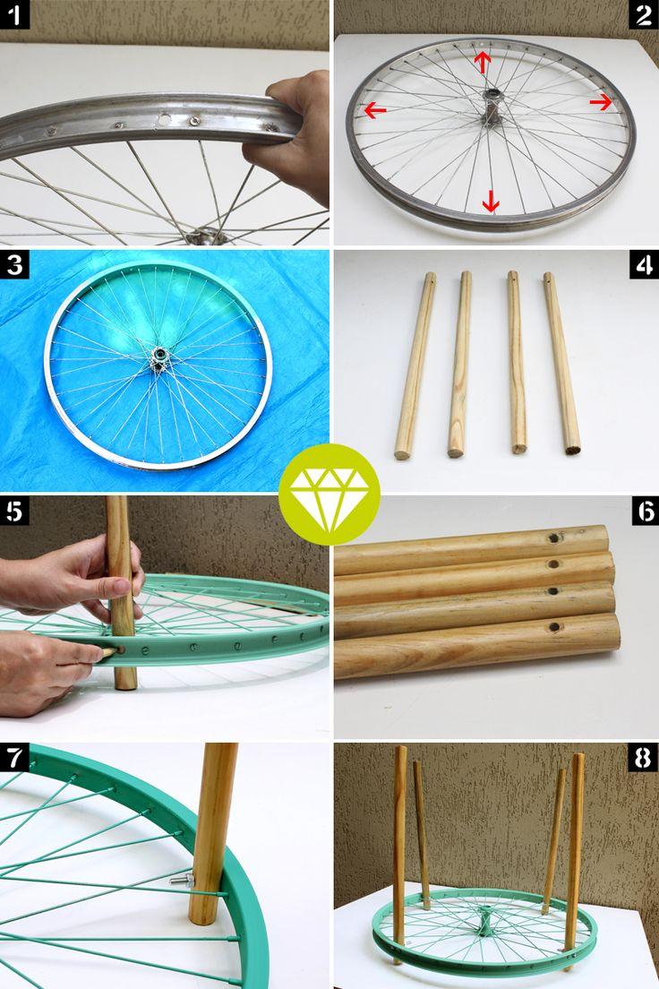 Quem acompanha o blog desde o começo, já deve ter visto uma mesa com uma roda de bicicleta que eu fiz (pra relembrar, clica aqui). Naquela época eu ganhei outras duas rodas, mas demorei um tempo pensando em outra maneira, mais simples e prática, de...
