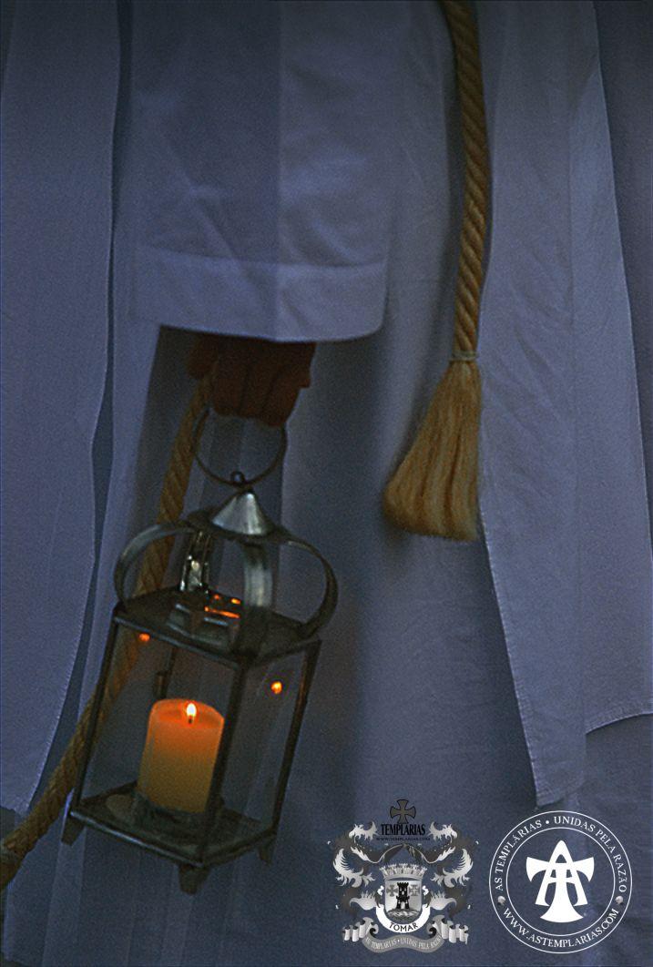 As Templárias - aqui numa das fotografias autorizadas do cortejo nocturno, na noite de sexta-feira para sábado (15 de Maio de 2015), que envolveu o Convento de Cristo e a Ermida de Nossa Senhora da Conceição.