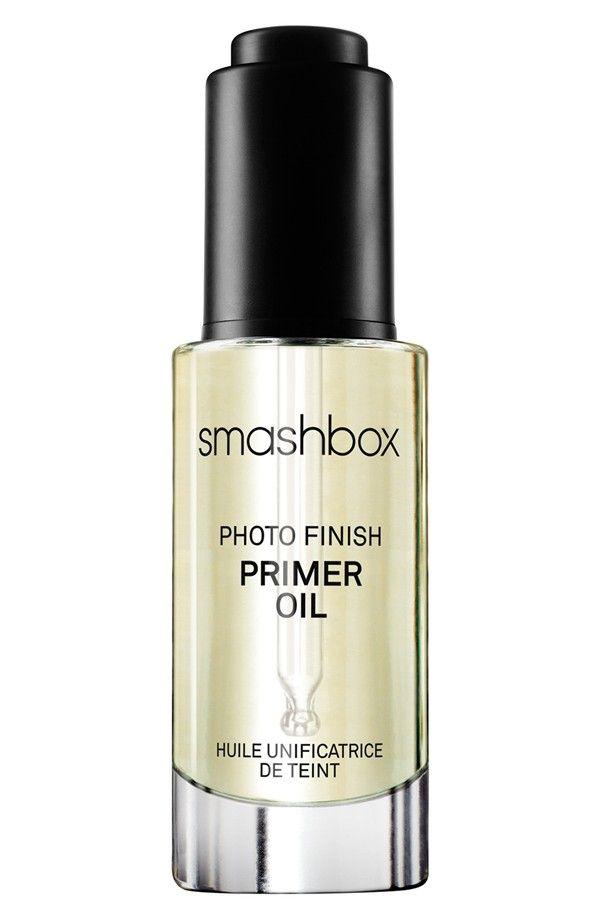 smashbox 'Photo Finish' Primer Oil.   ··Very lightweight. Non greasy.