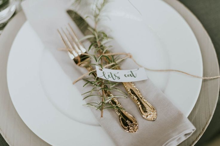 edgy + grey + intimate wedding reception inspo  Image by Dominika Bronner