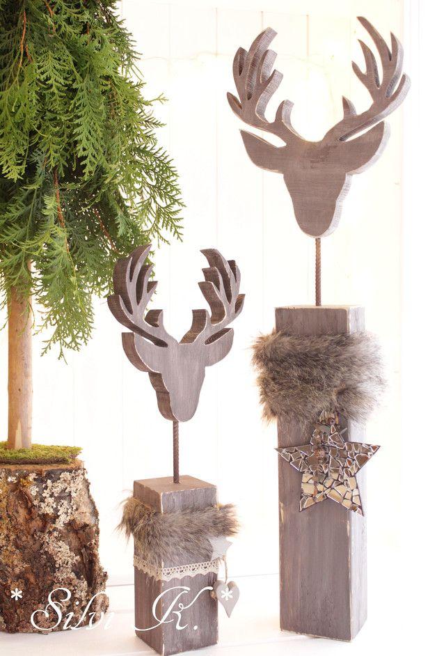 ☆ Hirschkopf auf Sockel Höhe: 77 cm Shabbygrau ☆   Dieser Hirschkopf auf Sockel ist eine sehr edle und wunderschöne Winterdekoration.  Den Sockel sowie auch den Hirschkopf habe ich aus...