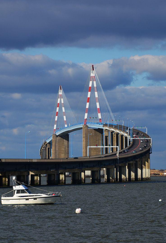 Plus de 1000 id es propos de le pont de saint nazaire for Bureau plus st nazaire