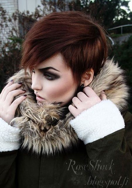 Trendy-Short-Hairstyle-Thick-Hair.jpg 450×639 pixeles