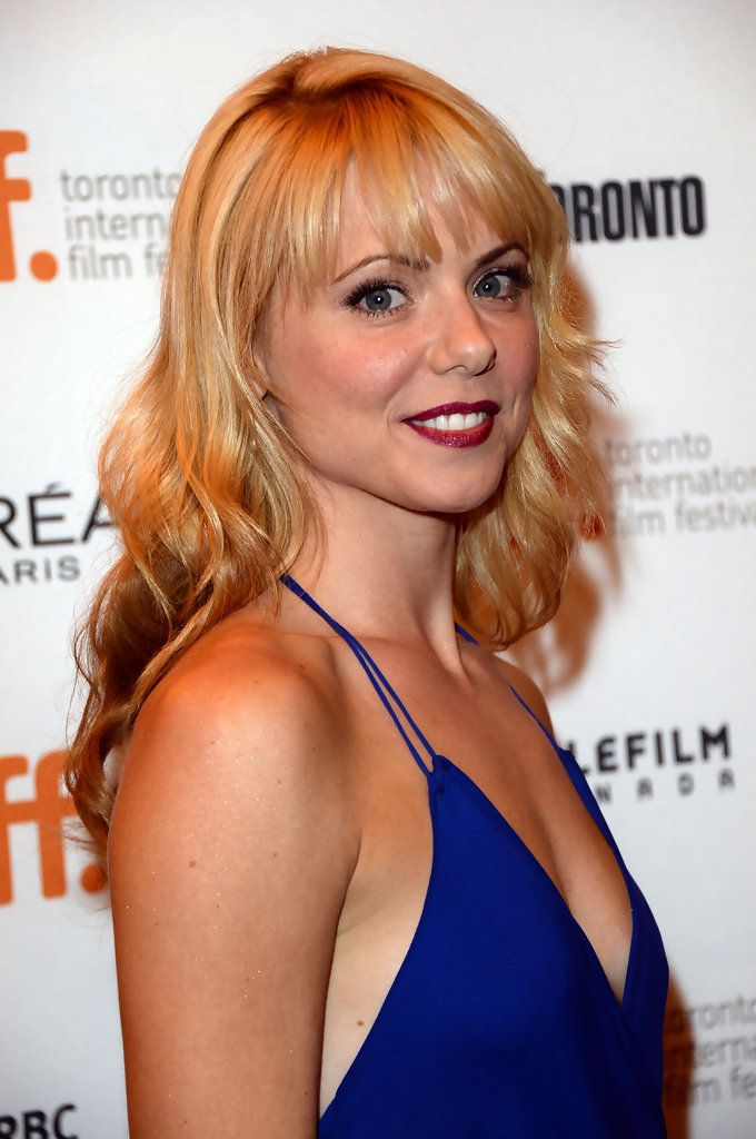 Collette Wolfe Long Wavy Cut with Bangs