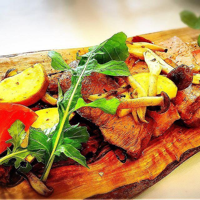 そりゃ太るわけだよ  野菜をいっぱいたべて、 体調イマイチをふきとばせ! ❤️❤️❤️❤️❤️❤️❤️❤️❤️❤️❤️❤️ いつもありがとう💕ありがとう💕ありがとう💕Keep On Smiling💋 #日本  #とりあえず野菜食  #お誕生日おめでとう  #美しい とも♡ #肉 #イタリアン #ごちそうさまでした  #ダイエット してるはずな #ママ さん #おいしかった  #家族 #親子  #楽しい 時間  #かわいい #娘  たちのはなしも #ありがとう いつも❤️これからも #友達  にいやされた。 #cute #smile #好き#浜松  #me #love #happy #beautiful #lol #friends #Instagood #浜松市 #大好き