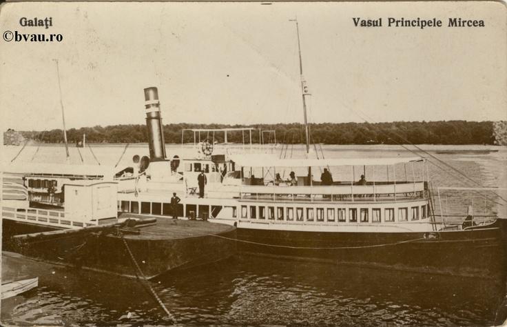 """Vasul Principele Mircea, Galati, Romania, anul [193_?].  Imagine din colecţiile Bibliotecii Jedeţene """"V.A. Urechia"""" Galaţi."""