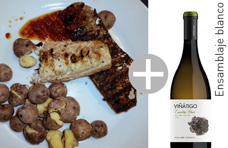 Aus der kanarischen Küche: gegrillter Zackenbarsch mit Runzelkartoffeln und roter Paprikasauce ..und dazu unbedingt, der beste Aroma-Vermittler Viñátigo ensamblaje blanco